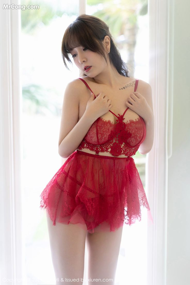Haley Lu Richardson Nude   LeakCelebrities