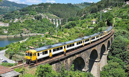 En uforglemmelig togrejse gennem Douro-dalen