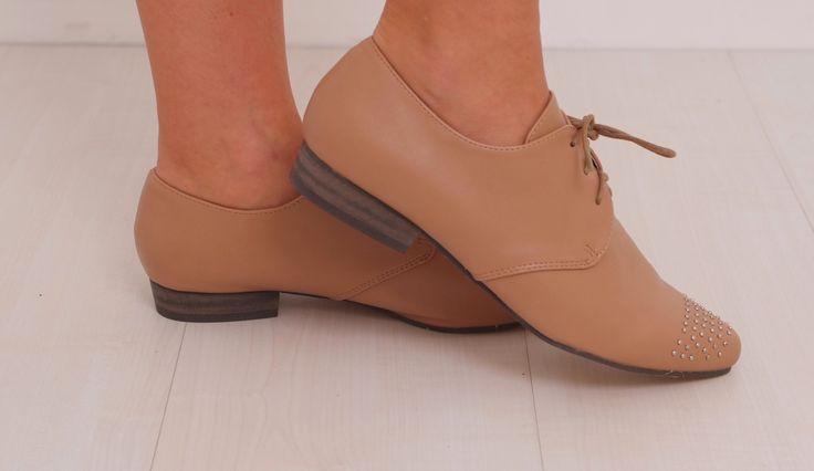 Zapato oxford camel pedrería www.belleboheme.es