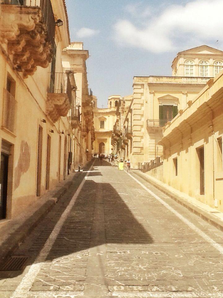 Via Nicolaci. Noto, Sicilia