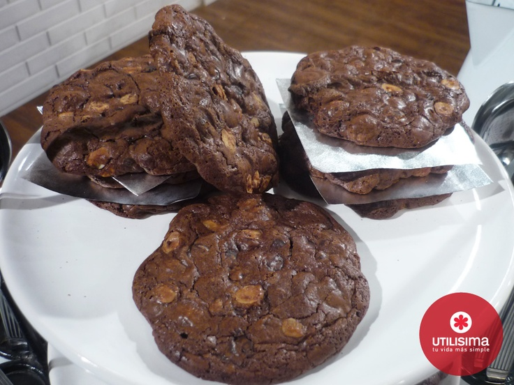 Cookies doble chocolate, por Mauricio Asta.  La Pastelería. Utilísima.