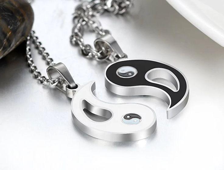 JewelryWe 2 Pieza Acero Inoxidable Esmalte Enamel Colgante Collar Negro Blanco Yin Yang Tai Chi Amor