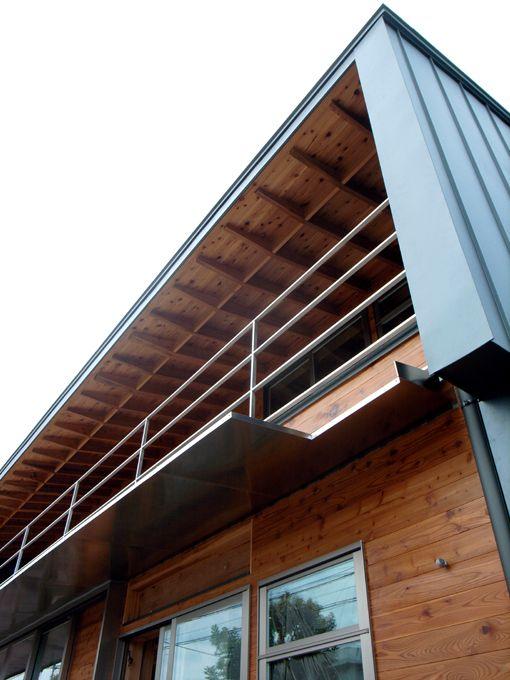 屋根ガルバリウム / 一部外壁木
