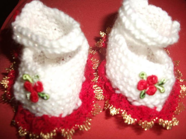 Christmas Shoes - Knitting creation by mobilecrafts | Knit.Community