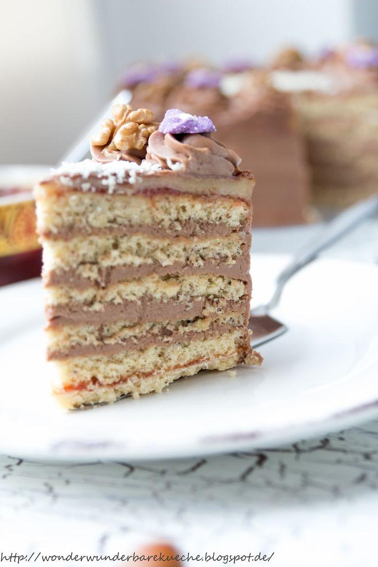 Wonder Wunderbare - Küche: Kleine Kuchen: Nussschichttorte mit Buttercreme und Marzipan
