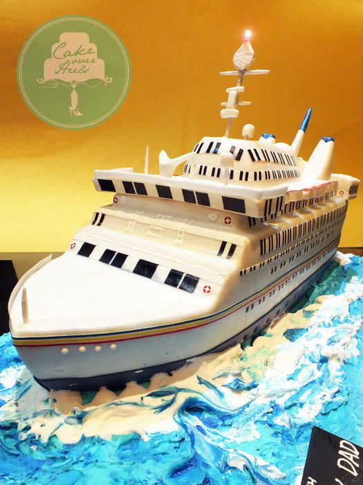 Cruise Ship - Cake by Nicholas Ang