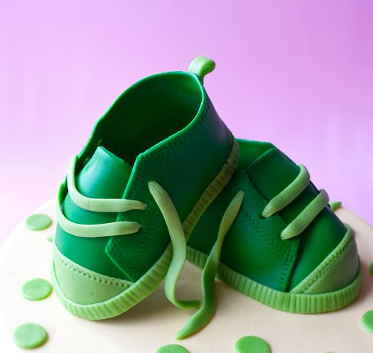 <3 How to make baby shoes