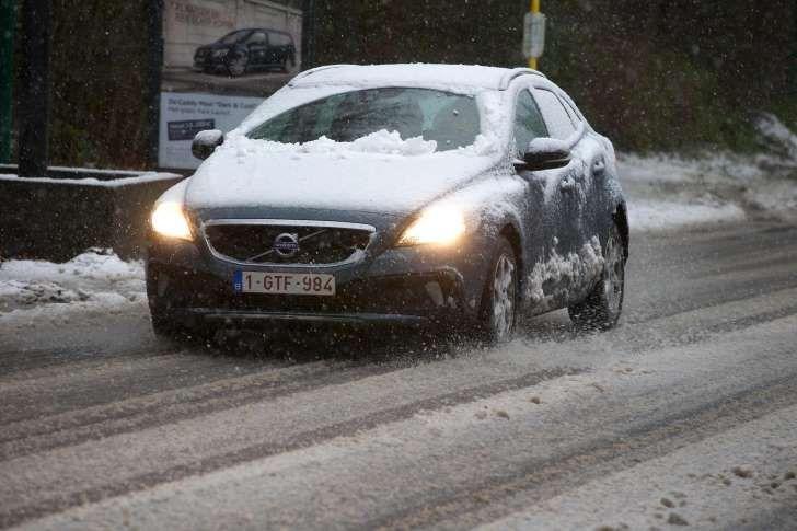 VAB waarschuwt voor drukke maandagochtend op de weg en piek in startproblemen