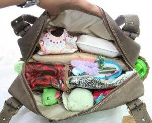 Diaper Bag checklist, this is the exact same list of essentials I would take with me with baby #1 and will do with baby#2