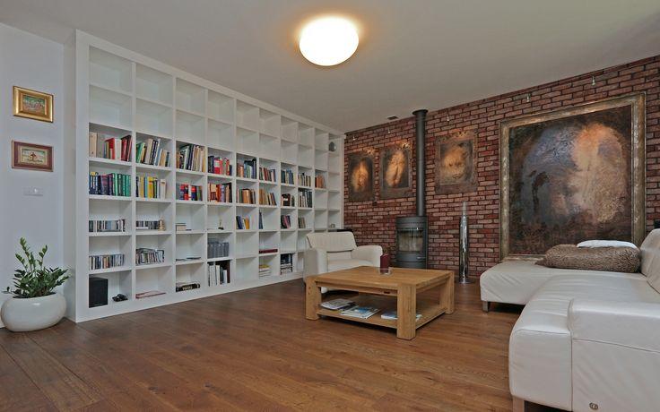 Extraordinary house in Mokotów, Warsaw. #lionsestate #realestate #livingroom #interior #design #interiordesign #rent #houseforrent