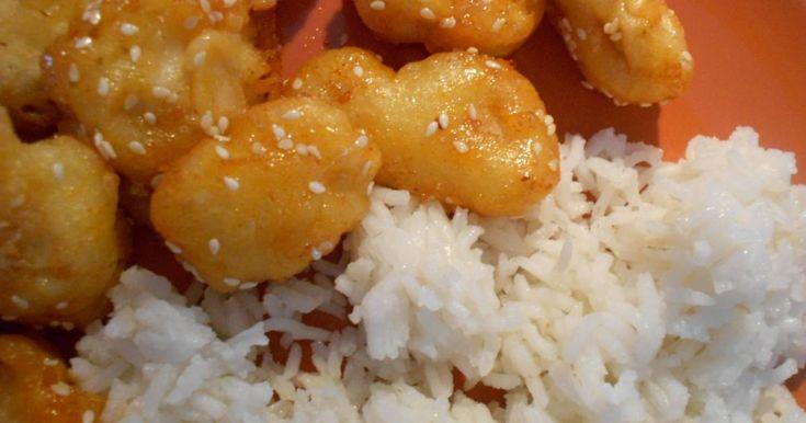 Mennyei Szezámmagos csirke recept! Sok receptet kipróbáltam, mire megtaláltam ezt a szezámmagos csirke receptet. Tényleg olyan, mint amilyet a kedvenc kínai éttermemben kapok. Már nem tudom kitől kaptam, de hálás vagyok neki. A recept egy sárga kis cetlin van a hűtőn, hogy mindig kéznél legyen egy gyors vacsorához.