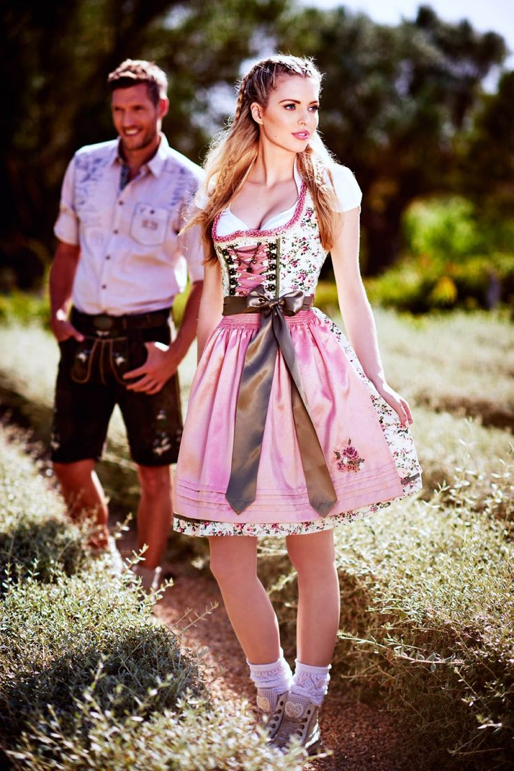 les 25 meilleures id es de la cat gorie dirndl ausschnitt sur pinterest oktoberfest kleidung. Black Bedroom Furniture Sets. Home Design Ideas