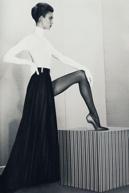 """""""Um chefe de Empresas e um corpo para o pecado"""", Karlie Kloss fotografada por Roe Ethridge em Acne Inverno Papel 2012"""