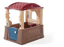 4 SEASONS PLAYHOUSE ... Small in size - BIG on features