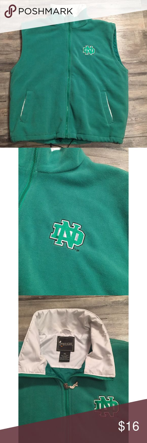 University North Dakota green zip up vest XL University North Dakota green vest - fleece With lining - zip up- draw string waist -sz. XL Spotlight Jackets & Coats Vests