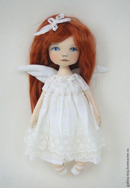Купить или заказать Рыжий Ангел в интернет-магазине на Ярмарке Мастеров. Нежный Ангел с ярко-рыжими волосами. Маленькое рыжее солнышко))) Прекрасный подарок на рождение ребенка, именины, день рождения, день влюбленных Ангелочка можно подвесить возле кроватки девочки или посадить на полочку в детской.