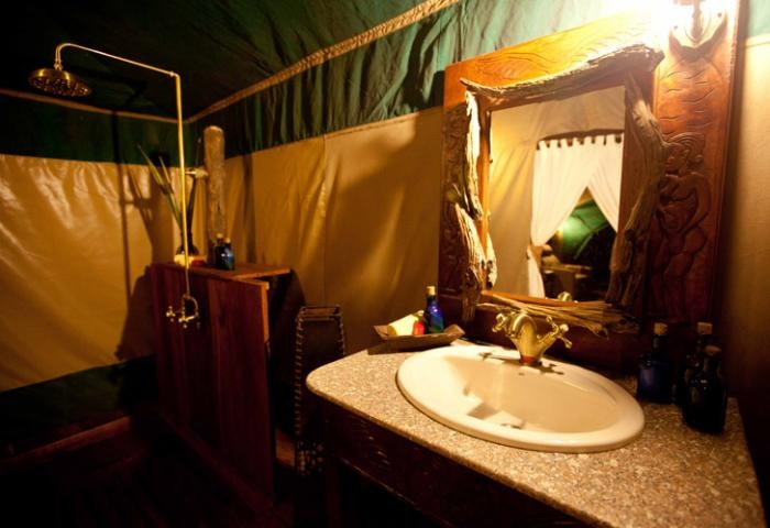 a complete #bathroom in the wilderness | Holidays in Tanzania | Mbali Mbali Lodges and Camps