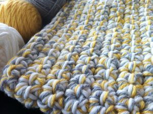 crochet baby blanket using single crochet and chain, 10mm hook and 3