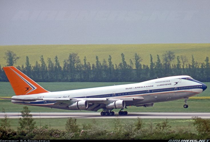 South African Airways ZS-SAO Boeing 747-244B aircraft picture