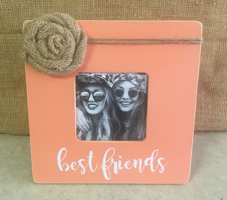 This beautiful rustic wood picture frame would make a lovely addition to your decor. It would make a great valentine gift, mother's day gift, house warming gift, wedding gift, baby shower gift or the