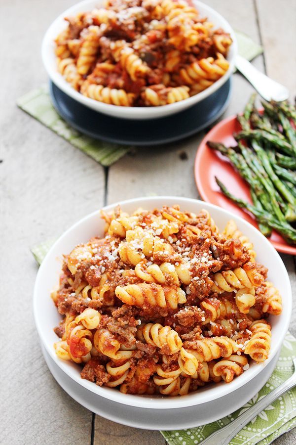 This Slow Cooker Chili Mac is our new go-to dinner recipe for a couple of reasons. The obvious factor is the whole slow cooker thing means dinner can practically make itself. You just need to toss a few ingredients in the crockpot...