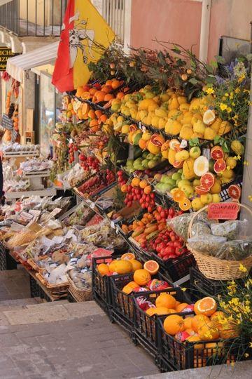 SICILY, ITALY Fruit vendor