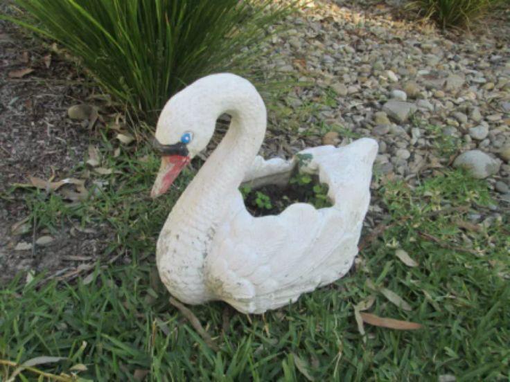 1000 images about concrete swans on pinterest planters concrete cement and retro vintage - Concrete swan planter ...