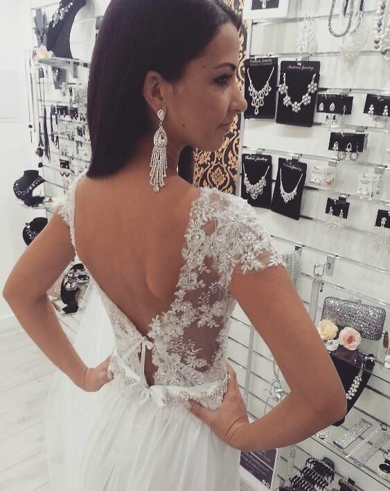 Snowhite wedding dress