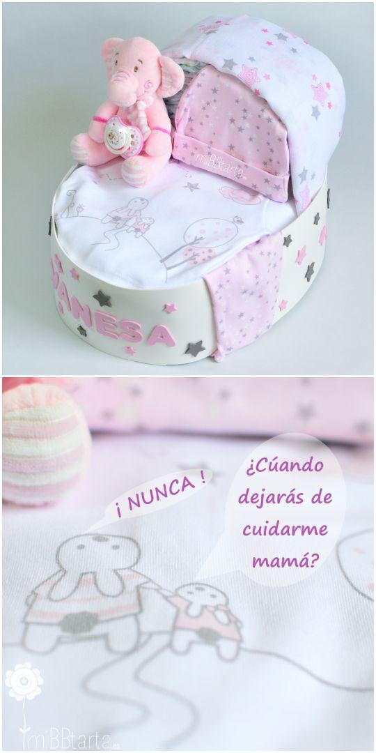 ¿Buscas un regalo original de nacimiento? Bonita, tierna, práctica… con esta cuna de pañales podrás hacer un detalle para el bebé tan divertido como útil. Si te apetece ver todo lo que lleva haz clic en la foto o entra en https://mibbtarta.es/producto/cuna-de-panales-peluchito/ canastilla #babyshower #regalonacimiento #regalobebe #cestanacimiento #cestabebe  #tartadepañales #tartasdepañales  #cestanacimiento #bebe #maternidad #embarazo #diapercake #diapercakes #cunadepañales