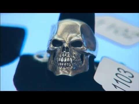 Aukcja gangstera 'Whitey Bulger' 'podnosi $ +100.000 na cjn wiadomości
