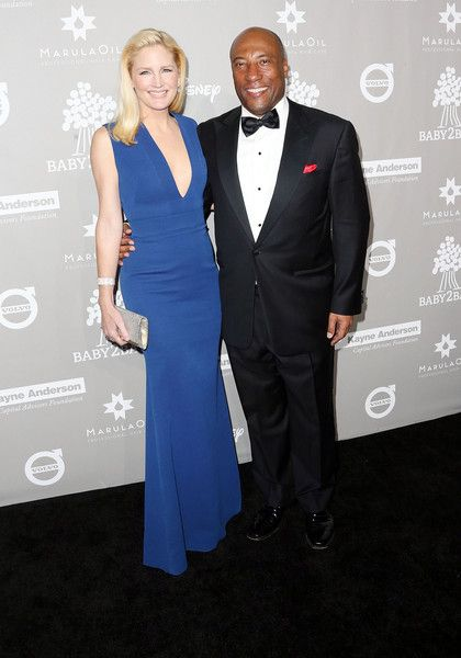 Producer Byron Allen (R) and his wife Jennifer Lucas attend the 2015 Baby2Baby Gala at 3LABS on November 14, 2015 in Culver City, California.