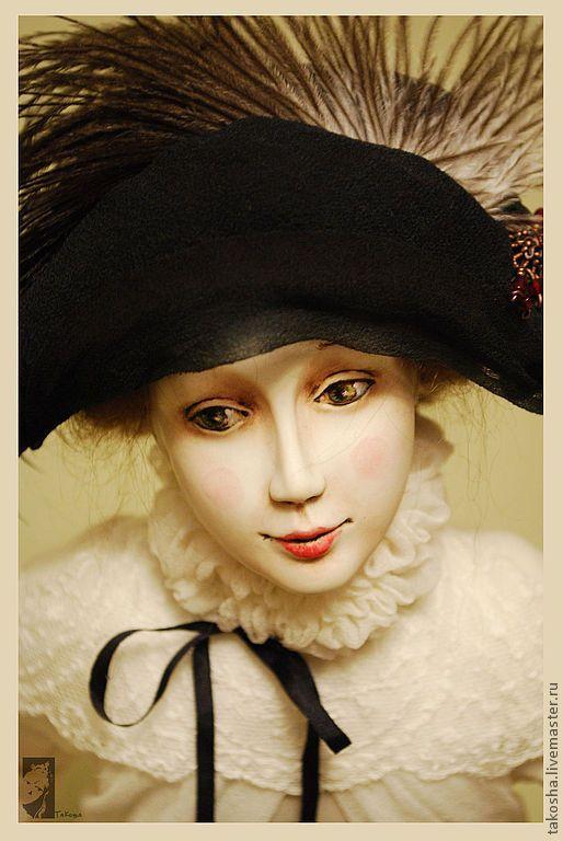 """Купить Фарфоровая кукла """"Коломбина"""" - чёрно-белый, красный, коломбина, комедия дель арте"""