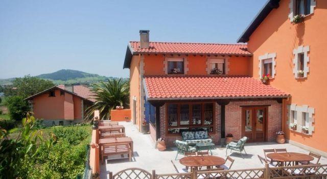 Posada Las Tres Mentiras de Santillana del Mar - #Guesthouses - $44 - #Hotels #Spain #Viveda http://www.justigo.tv/hotels/spain/viveda/posada-las-tres-mentiras_22983.html