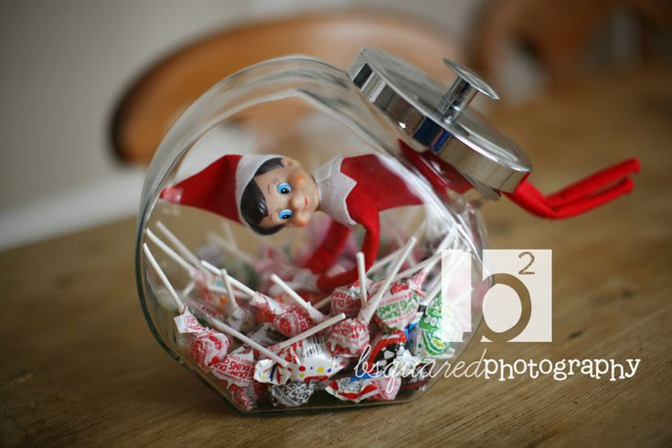more elf on the shelf...Candies Jars, Shelf Fun, Elfie Ideas, Candies Dishes, Christmas Morning, Candies Elf, Shelf Ideas, Homemade Candies, Elves