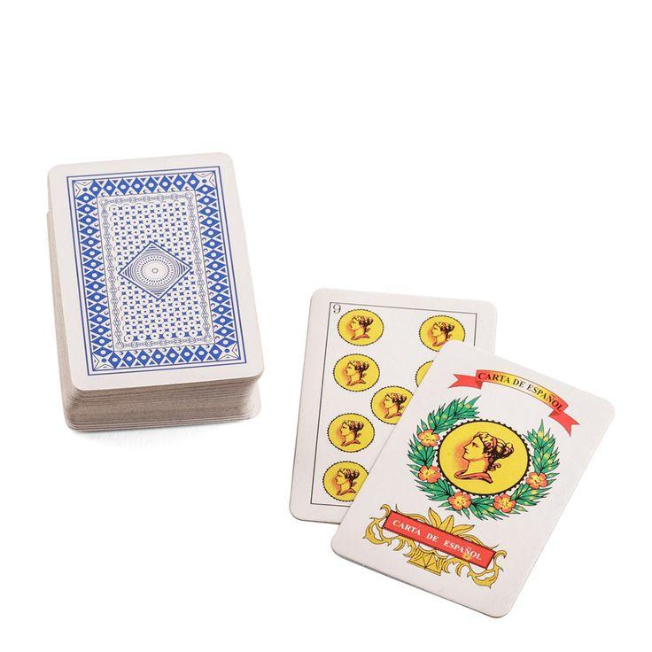 Juego de cartas. Fotografía Kinoki studio