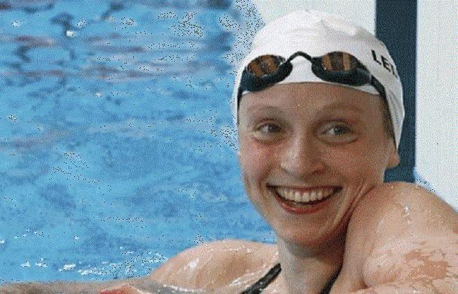 Covesia.com - Perenang USA, Katie Ledecky pecahkan rekor dunia dari cabang renang nomor 400 meter gaya bebas putri di Olimpiade Rio pada Minggu (7/8). Ledecky...