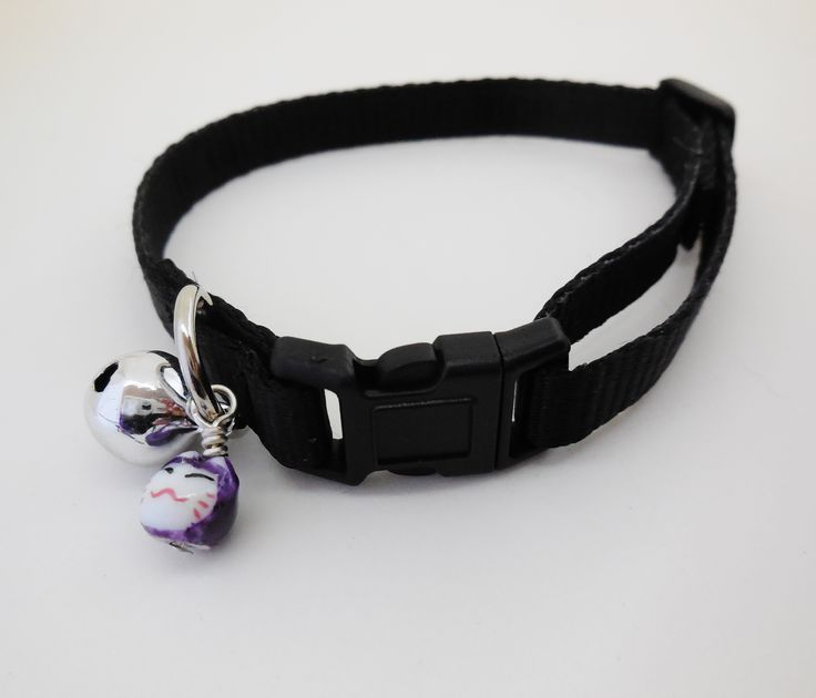 Satin lined 10mm adjustable webbing Cat Safety Collar. Black.  Buy here: http://stores.ebay.com.au/casa-di-gata-house-of-cats