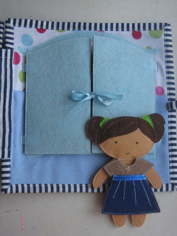 У нашей Алёнки скоро День рождения, пошилась для неё книжка.Спасибо, что досмотрели до конца.