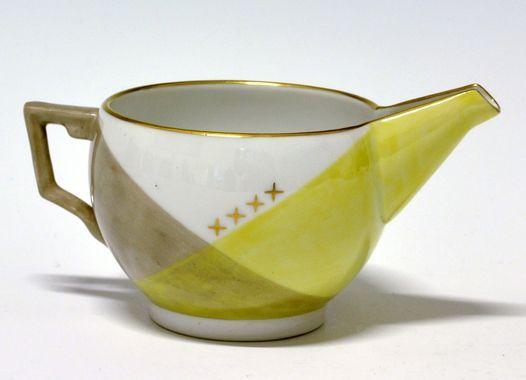 Cream jug by Nora Gulbrandsen (decor) and Thor Kielland (model) for Porsgrund Porselen. In production between 1927-1937 Model nr 1830. Decor nr 5839