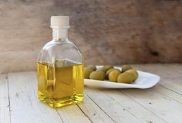 Olive oil is truly a powerhouse when it comes to hair, skin and beauty applications. Its rich, moisturizing properties make it ideal for use on your hair. While you may immediately think of olive oil for cooking, keeping a bottle of olive oil handy in your bathroom can help your hair look healthier, stronger and shinier. Whether you use it as your...
