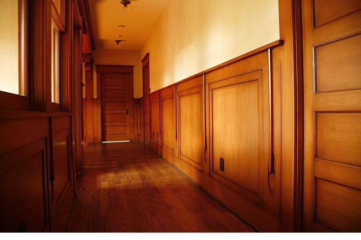 Craftsman style wainscoting living rooms misc home for Arts and crafts wainscoting