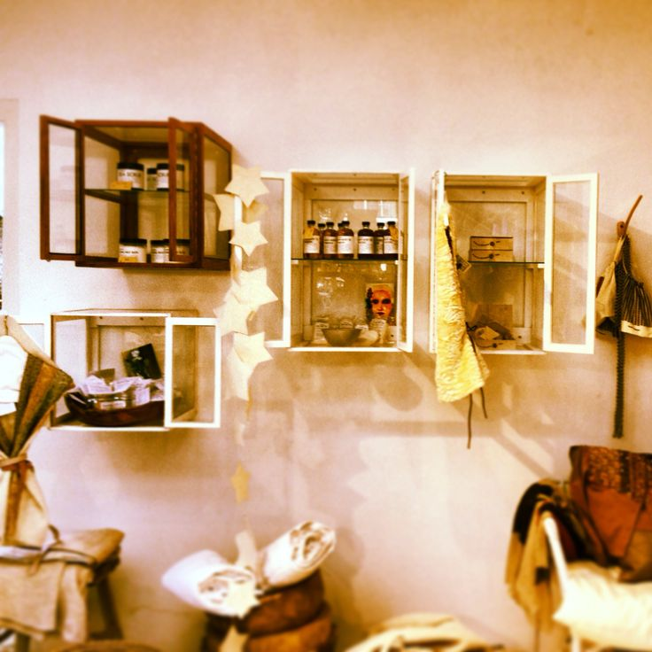 Glazen kastjes voor aan de muur
