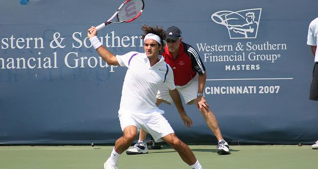 Back to the Future! Roger reverts to his old racquet and wins in Cincinatti. - http://www.tennisfrontier.com/news/atp-tennis/back-to-the-future-roger-reverts-to-his-old-racquet-and-wins-in-cincinatti/