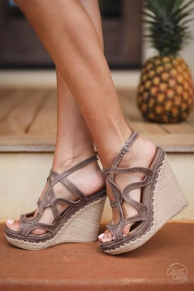NOT RATED Anatolia Wedges - Taupe