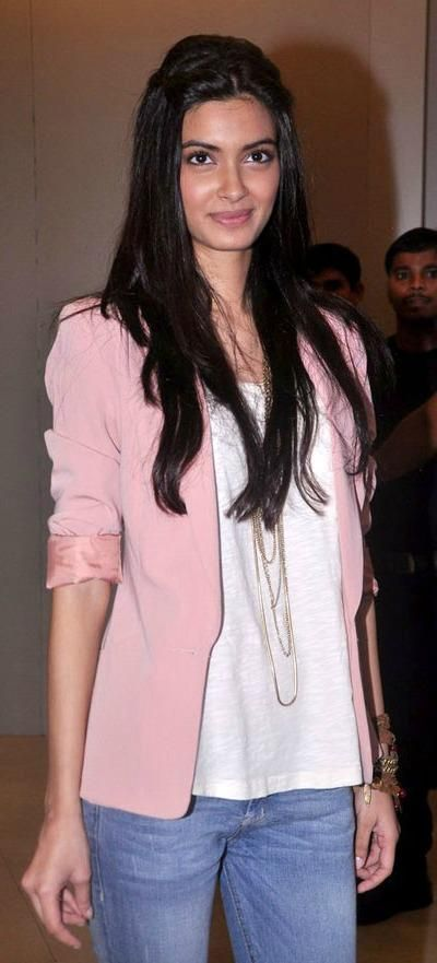 Diana Penty summer style pink blazer light blouse glossy hair