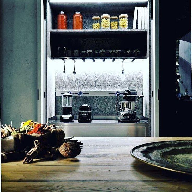 Adoras esas #cocinas ordenadas, visualmente limpias? Mira nuestras soluciones en www.miton.it! O ven a vernos a #TopKitchen y conoce la línea  #limhacemento