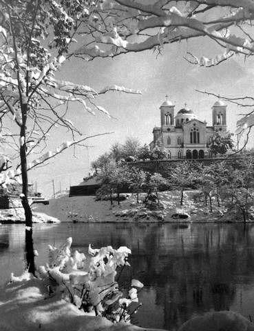Λάρισα. Ο χιονισμένος Άγιος Αχίλλειος (1938)