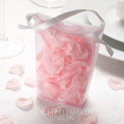 Streublumen in Handtasche rose