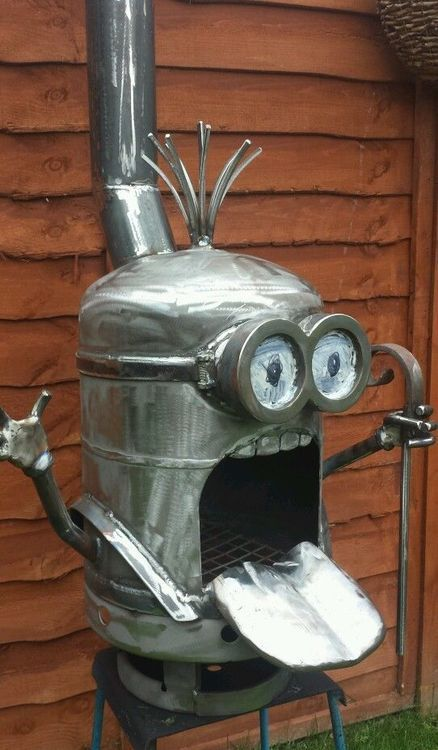 Ok, it's not really a robot, it's a Minion Fire pit from steampunktendencies