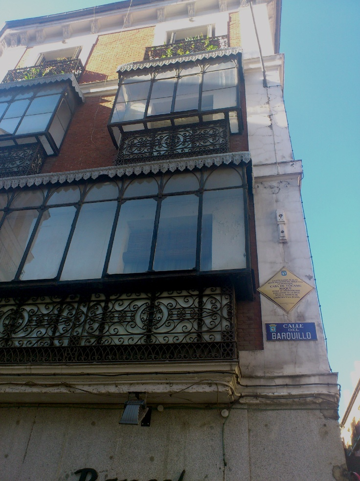 Calle barquillo con calle bel n la casa de t came roque Calle belen madrid